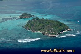 Aerial photo Moyenne Island